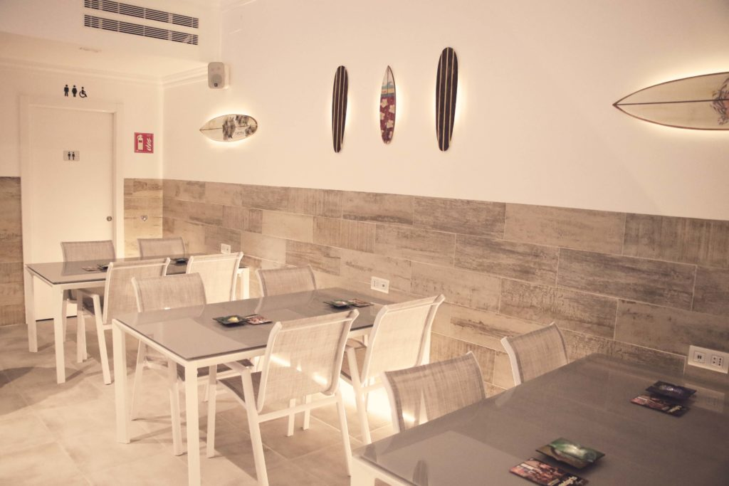 marijuana barcelona club tables and chairs